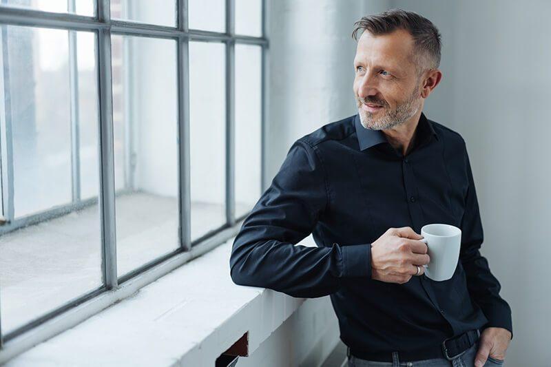 Hausmittel bei Prostatitis: Bestimmte Tee-Sorten können die Entzündung lindern