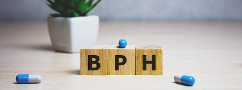 Die abgebildete Abkürzung BPH bedeutet benigne Prostatahyperplasie, eine häufig auftretende gutartige Form der Prostatavergrößerung.